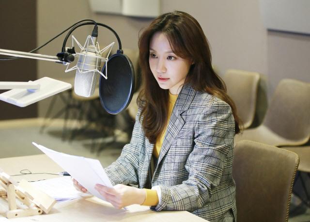김아중, EBS '다큐 시선' 내레이션 참여..따뜻한 희망의 메시지 전한다