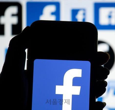 페이스북 공동창업자 '저커버그 책임감 無…독점구조 해체해야'