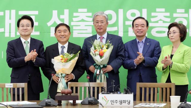 민주평화, 새 원내대표에 3선 유성엽 의원