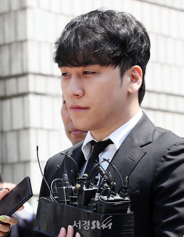 죄질 가장 나쁜데 왜…승리 구속영장 기각에 분노하는 네티즌