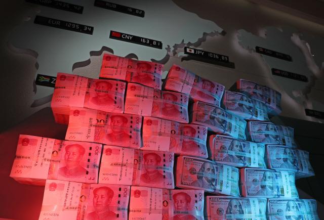 무역전쟁 보복카드? 中, 2년 만에 美국채 최대규모 처분
