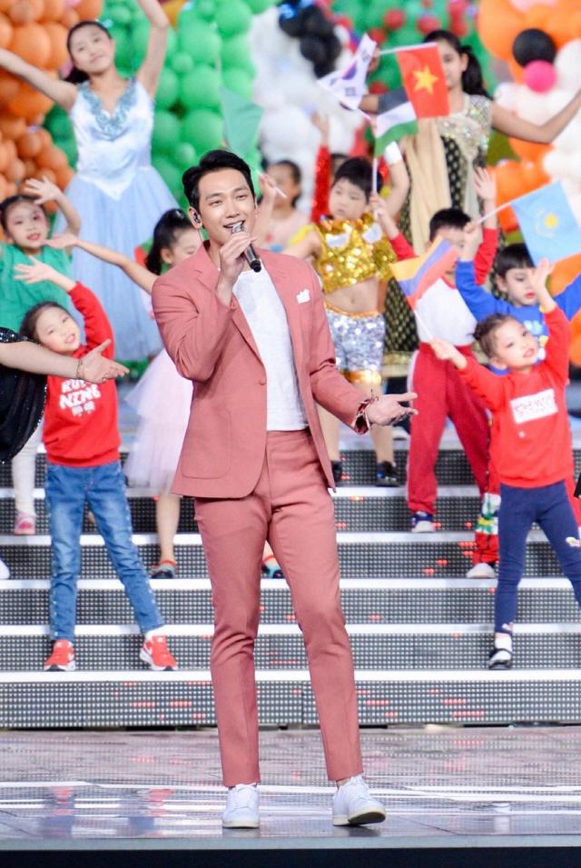 가수 비, 韓 대표로 中 국가 행사 초청 공연 '2016년 이후 최초'