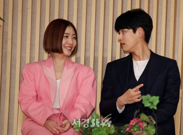 박진우-신다은, 소근소근 (수상한 장모 제작발표회)