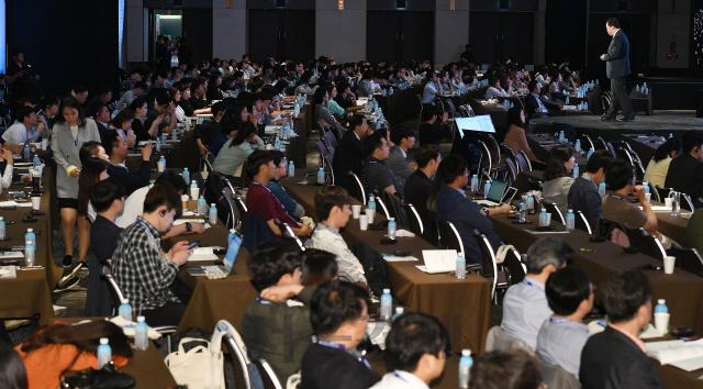[서울포럼]석학들의 '향연'에...'열공모드' 들어간 창업인·대학생들