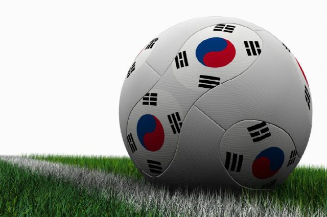 """위드 자문단에 합류한 이근호·유상철 """"축구인을 위한 이적 문화 만들자"""""""