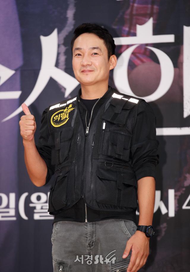 김정현, 시선강탈 (수상한 장모 제작발표회)