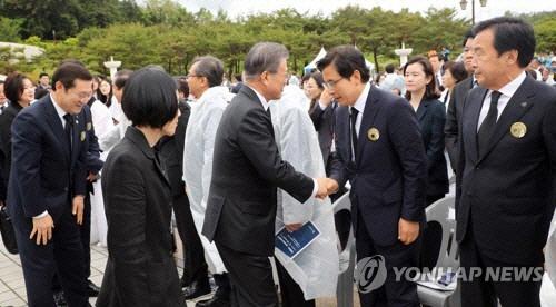 [전문] 이종걸 '민경욱 악수패싱 발언 '황교안 심기관리용' 비판받아도 괜찮냐'