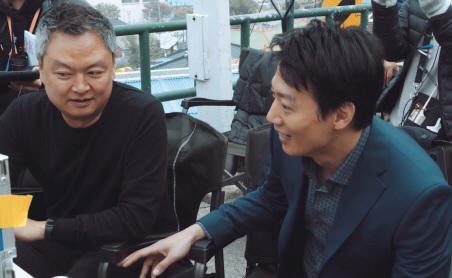 '롱 리브 더 킹: 목포 영웅' 강윤성 감독X김래원, '특급 파트너' 스틸 공개
