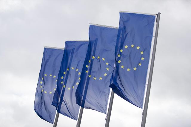EU, 지난해 미국에 180조원 무역흑자…2008년 이후 최대 규모
