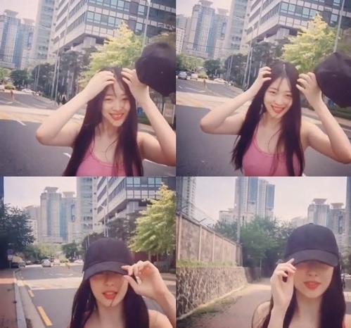 '당당함' vs '마이웨이'…설리 '속옷 미착용' 인스타그램 사진에 '갑론을박'(종합)
