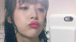 """설리 '키스를 부르는 핑크빛 입술' 청순 섹시美에 눈도장 """"쾅"""""""