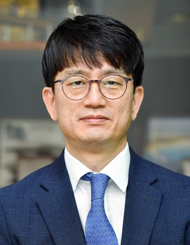 [프로필]20년 헌신 정통관료 첫 발탁