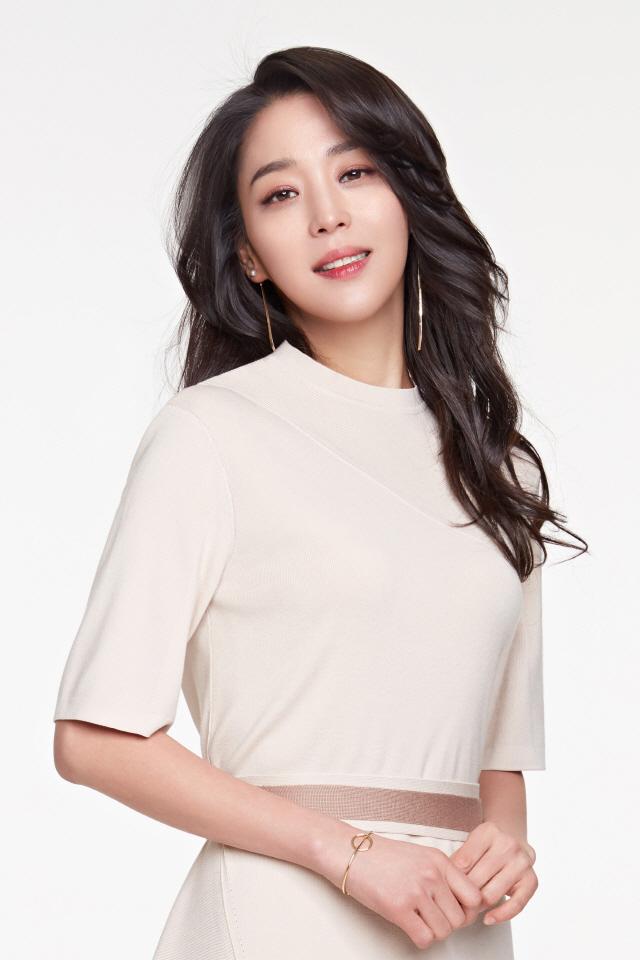 [공식] 한고은, 스카이드라마 신규 예능 '밥친구' MC 출연 확정