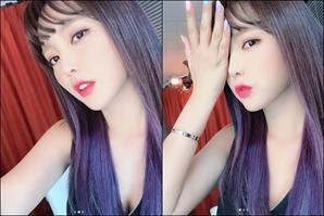 홍진영 '극강 섹시美' 보라빛 투톤헤어에 신비한 매력이 철철