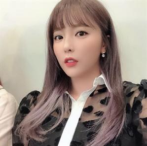홍진영 오늘도 샤방샤방 꽃미모…하루종일 촬영에도 '너무 예쁜데?'