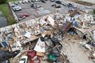 美 중부 토네이도 피해 확산…최소 10명 숨져