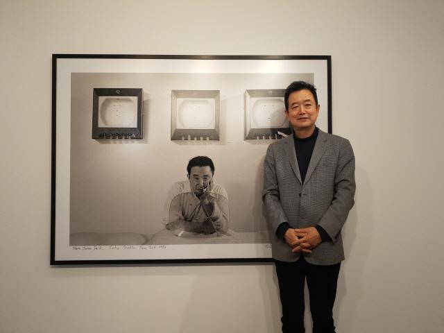 '1980년대 백남준의 흔적, 흑백 프레임에'