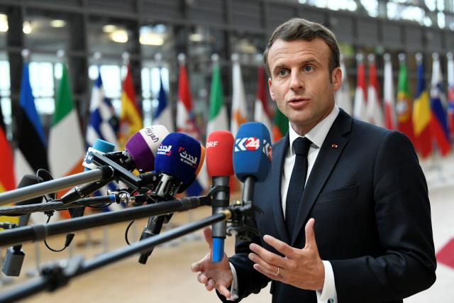 [사진]유럽의회 선거 끝나고 모인 정상들...메르켈-마크롱 '신경전'