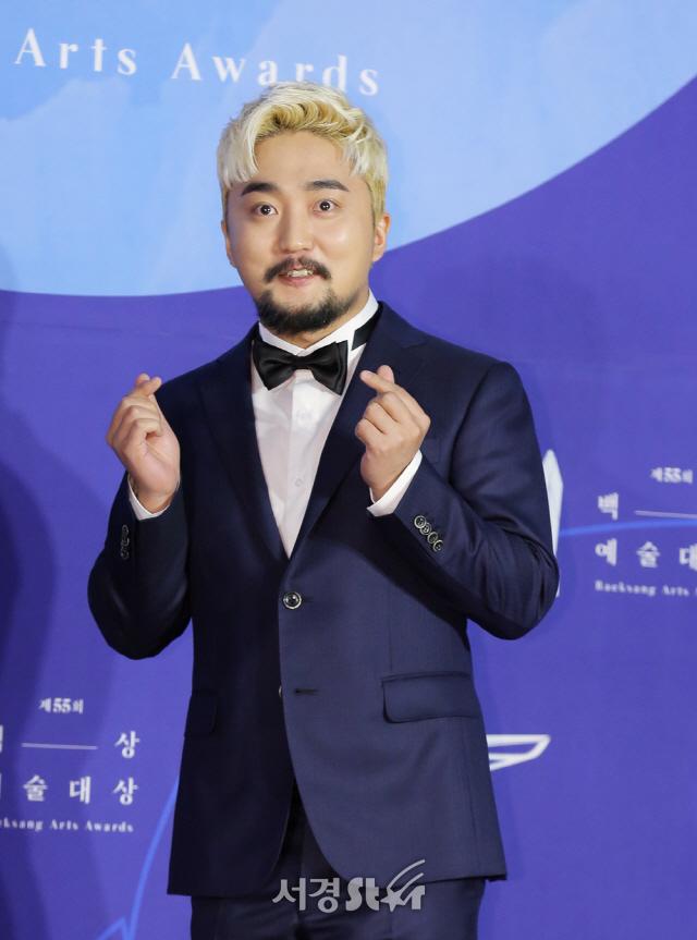 [공식] YG 떠난 유병재, 매니저 유규선과 샌드박스네트워크 전속계약