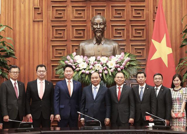 베트남 투자 행보 넓히는 최태원 회장