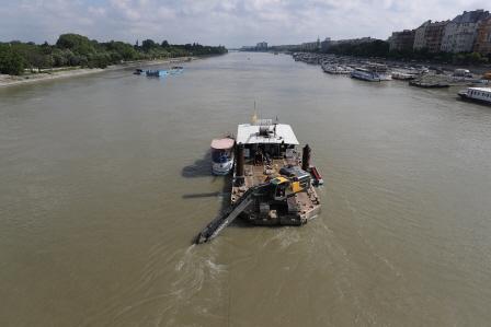 [헝가리 유람선 침몰] 22km 하류서 한국인 추정 여성 시신 수습