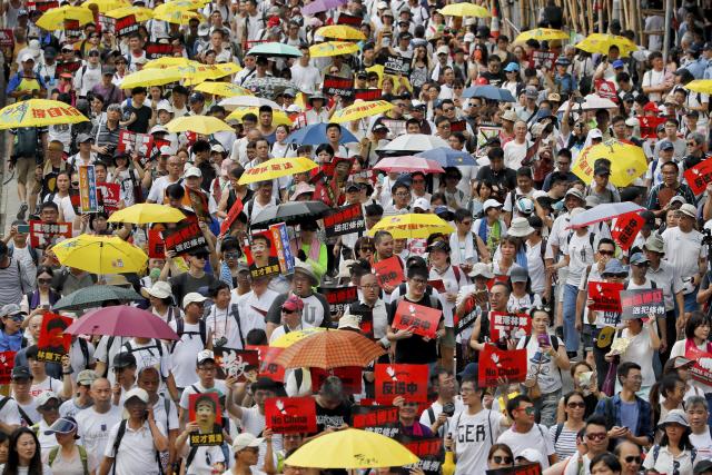 '범죄인 인도법안 철회'...홍콩에 다시 뜬 노란우산