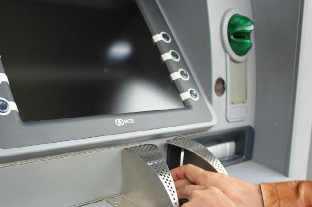 처음 비트코인 ATM 설치된 밴쿠버市, ATM 금지 방안 검토한다
