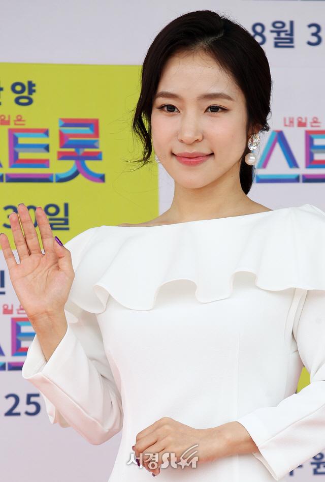 """[전문] 미스트롯 홍자, '지역 비하 발언' 논란에..""""경솔한 말 사과"""""""