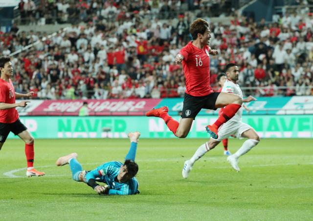 에이스 손흥민·원샷원킬 황의조·U-20스타 이강인...韓축구 신세계 연다