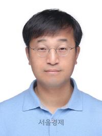 '스페이스X 통한 달궤도 탐사선, 상세설계검토 표류로 발사연기 우려'