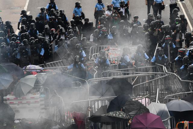 메이 英 총리 '홍콩 범죄인 인도 법안, 자유와 긴밀히 연결'…영·중 공동선언 준수 촉구