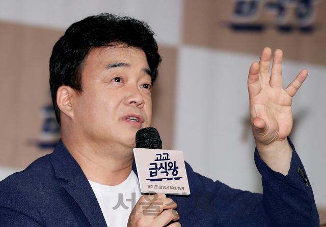 백종원 유튜브 이틀만에 100만 '오늘 저녁은 초간단 김치찌개'로 전국통일