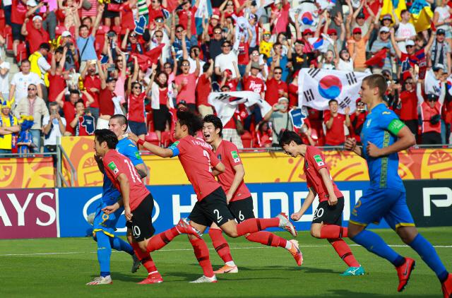 [U20월드컵] 한국 우크라이나에 막혀 준우승했지만 이강인 골든볼 쾌거