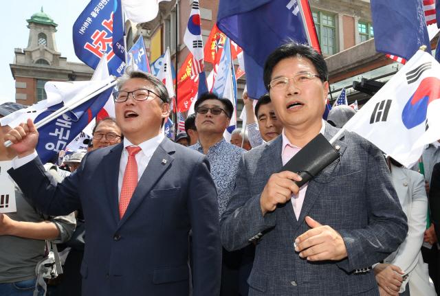 [뒷북정치]대한애국당, 홍문종 업고..연동형비례제로 날까