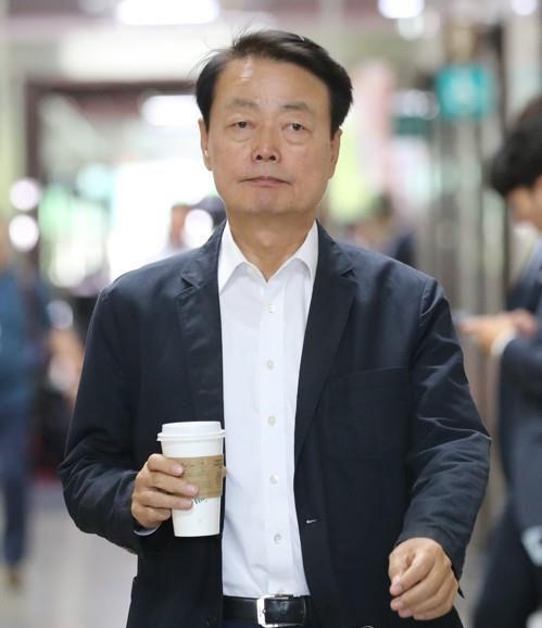 '걸레질을 해' 막말 논란 한선교 한국당 사무총장직 사퇴 '건강상 이유'
