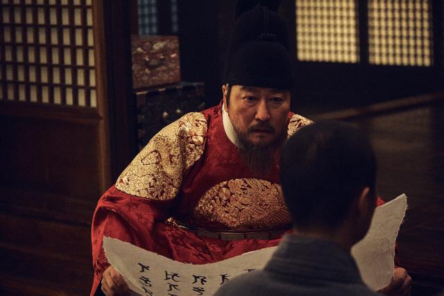 '나랏말싸미' 송강호, '인간 세종'을 만나다..캐릭터 스틸 공개