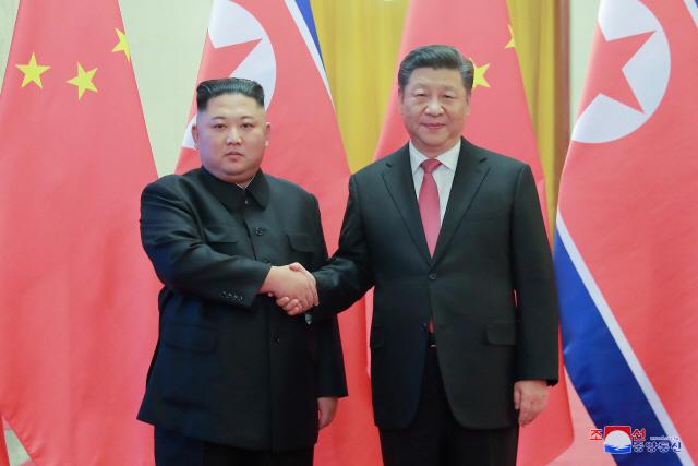"""시진핑 """"한반도 문제 대화·협상 진전 추동""""...방북직전 北 매체 이례적 활용 속내는"""