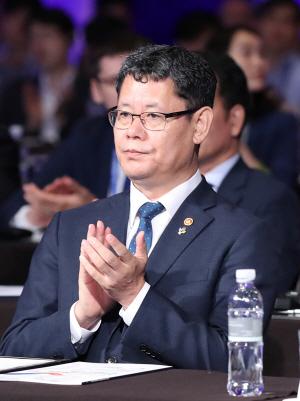북한 묵묵부답에도 국내산 쌀 5만톤 지원나선 정부
