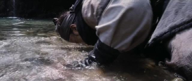 [나윤석의 영화 속 그곳] 비취빛 沼...神弓의 전설이 깃든 듯