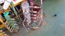 공장 난입, 용접라인 절단...막나가는 현대重 노조