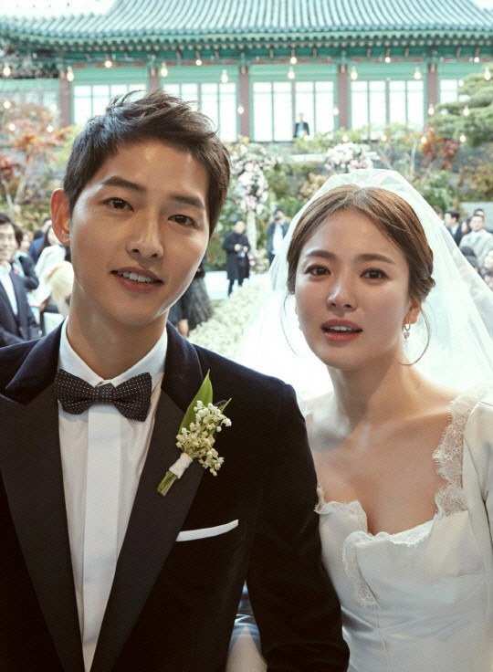 [종합] 송혜교·송중기 '태양의 후예'부터 세기의 결혼, 깜짝 이혼까지