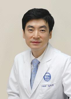 분당차병원 김옥준 교수, '휴미라'로 치매 치료 효과 세계 최초 확인