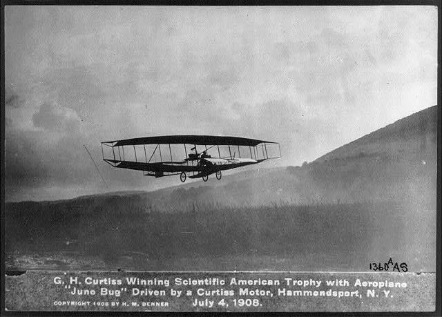 [오늘의 경제소사]1908년 미국 최초 공식 비행