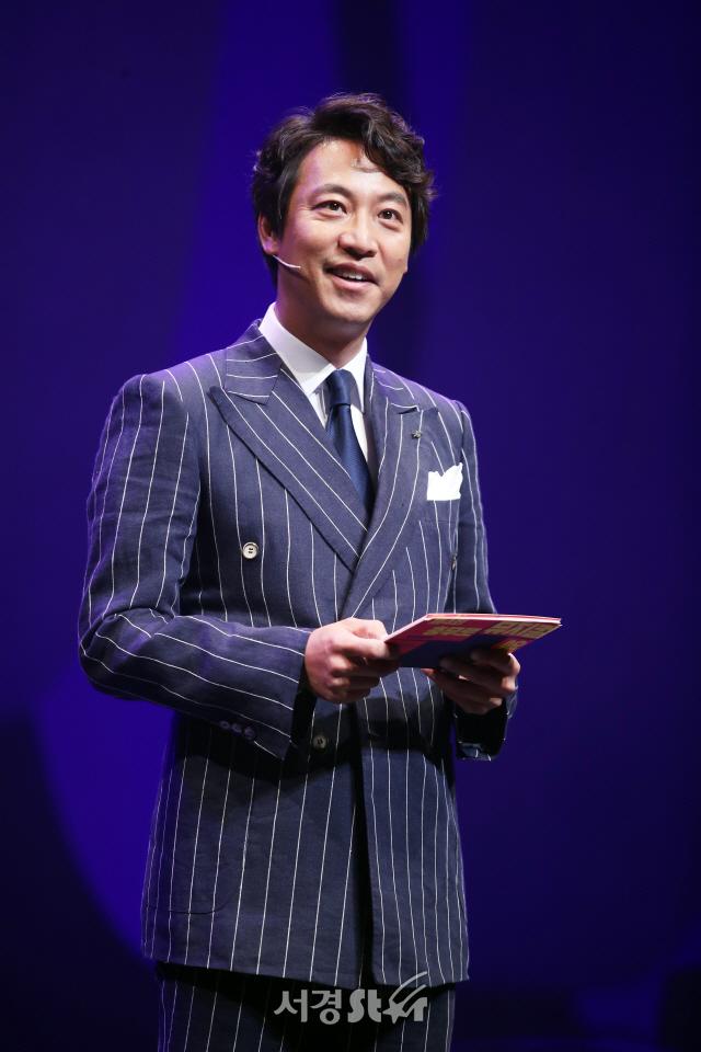 '충무로뮤지컬영화제' 진행하는 오만석