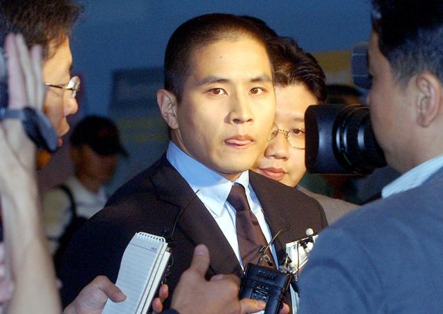 [종합] '유승준 입국시키려면 내 군생활 보상하라' 네티즌 폭발