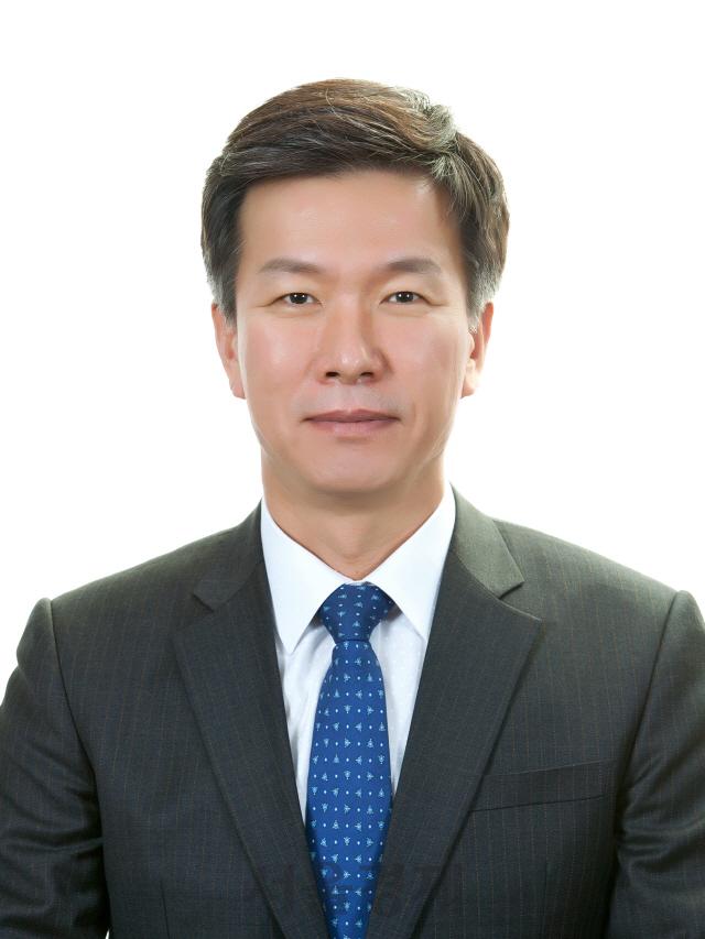 국세청 차장 김대지, 서울청장 김명준, 부산청장 이동신
