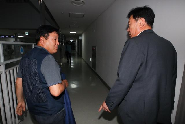 '최저임금 8,590원' 경영 '동결이 됐어야' vs 노동 '소득주도성장 거짓'
