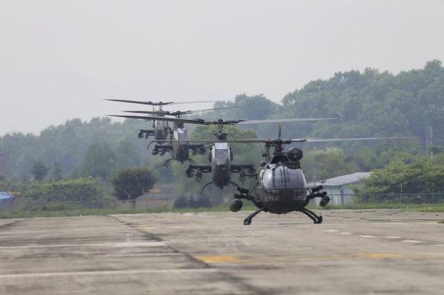 육군 주력헬기 UH-1H '전역을 명 받았습니다'