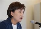 """민간 분양가상한제 """"때가 됐다""""는 김현미…부작용 우려하는 시장"""