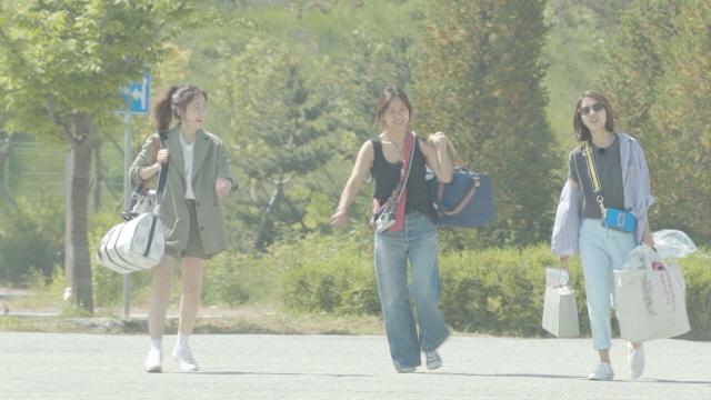 '캠핑클럽' 이효리-이진 불화설의 진실은?